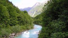 http://nexttriptourism.com/wp-content/uploads/2012/12/Soca-River-amazing.jpg