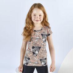 LYMY T-paita, bellini - musta | NOSH verkkokauppa | Tutustu lasten kesän 2018 uutuuksiin! Ihastu lastenvaatteiden uusiin printteihin, malleihin ja väreihin. Tilaa omat suosikkisi NOSH vaatekutsuilla, edustajalta tai verkosta >> nosh.fi (This collection is available only in Finland)