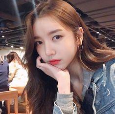 Pretty Asian, Beautiful Asian Girls, Pretty Girls, Teenage Girl Photography, Cute Korean Girl, Ulzzang Girl, Hair Goals, How To Look Better, Instagram