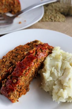 Mushroom Lentil Loaf/be sure to check the Worcestershire sauce that it is vegan or vegetarian friendly. Lentil Recipes, Veggie Recipes, Whole Food Recipes, Cooking Recipes, Tilapia Recipes, Salad Recipes, Vegan Vegetarian, Vegetarian Recipes, Healthy Recipes