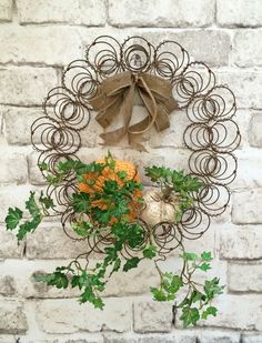 Fall Vintage Bed Spring Wreath Pumpkin Fall by AdorabellaWreaths Bed Spring Crafts, Spring Projects, Fall Crafts, Shabby Chic Kranz, Shabby Chic Wreath, Bed Springs, Mattress Springs, Country Wreaths, Holiday Wreaths