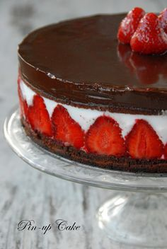 Strawberry Coconut Torte...you could *wow* any dinner party if you made this. #wfmWinaVitamix