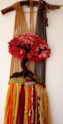 Árbol burdeos tapiz algodones reciclados,lanas teñida manuamene,rama de alcornoque tapiz de alto lizo