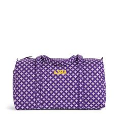 Show your team spirit while you travel! The Large Duffel's roomy central compartment allows for flexibility in packing and the size is carry-on compliant. An easy access outside pocket keeps travel documents close. Your school's logo and a coordinating Vera Bradley pattern make this the perfect way to show that you've got spirit, yes you do!