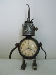 junkbotworld.com - ROBOT VINTAGE CLOCK ANTIQUE OIL CAN WRENCHES