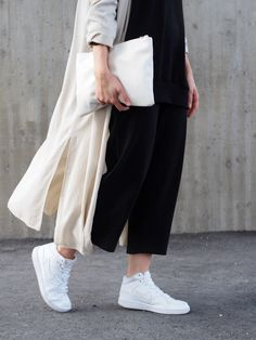 Lack Of Colour - blog / #Nike #sneakers / #Long #trench #coat #outfit