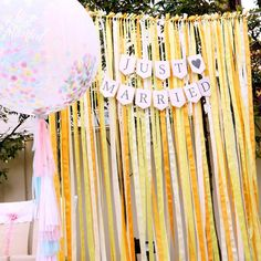簡単に手作り出来る!結婚式の「フォトブース」の作り方・飾り方 | marry[マリー]