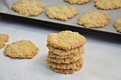 למה לקנות עוגיות כשאפשר להכין אותן בכזו קלות? פשוט מערבבים כמה מרכיבים שתמיד יש בבית, שולחים לתנור - ותוך רבע שעה אפשר להתפנק