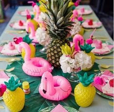 Flamingle Party: This season's hottest DIY Flamingo Party Ideas. Want the perfect theme for summer? Let's flamingle with a fantastic flamingo party! Today I'm sharing some amazing DIY flamingo decorations and ideas for a flamingle party. Aloha Party, Tiki Party, Party Party, Party Time, Hawaian Party, Flamingo Birthday, Pink Flamingo Party, Flamingo Decor, Flamingo Baby Shower