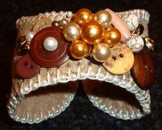 Baseball Cuff Bracelet @Alanna Tameta Tameta Tameta Thompson needs to make these for us!!  :)