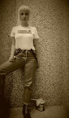 old spirit Fotos Mode Skinhead, Chica Skinhead, Skinhead Reggae, Skinhead Girl, Skinhead Fashion, Chelsea Cut, Chelsea Girls, Mod Fashion, Attitude