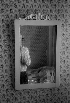 © Erich Hartmann/Magnum Photos /USA. Boothbay Harbor, Maine. 1979. Self-portrait in bedroom mirror.