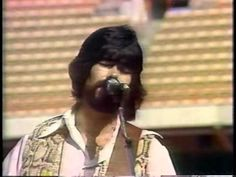Performance is from 1980, but this song was famous in the 70s. LOVE this video. // Alabama - My Home's In Alabama