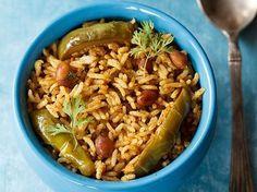 Vangi Bath (Karnataka Style with Vangi Bath Masala) Cooked Rice Recipes, Veg Recipes, Lunch Recipes, Indian Food Recipes, Dinner Recipes, Cooking Recipes, Indian Foods, Chicken Recipes