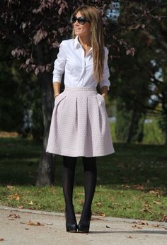 What You Should Have In Your Wardrobe For Your Office Attire. Like the white outfit and black tights Chic Office Outfit, Summer Office Outfits, Office Attire, Office Fashion, Work Attire, Office Wear, Work Fashion, Office Chic, Casual Office