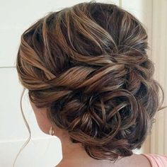 20 Glamorous Wedding Updos for Brides – Best Wedding Hairstyles Best Wedding Hairstyles, Homecoming Hairstyles, Bride Hairstyles, Summer Hairstyles, Trendy Hairstyles, Mother Of The Bride Hair, Medium Hair Styles, Long Hair Styles, Bridesmaid Hair Updo