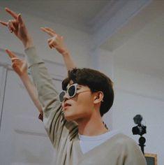 ❜ ❥┊🌨️🤩 ╰ Reactions , The Type , One Shot , e… # Fanfic # amreading # books # wattpad Taeil Nct 127, Nct Taeil, Taeyong, Jaehyun, Mark Lee, Winwin, Rapper, Young K, Memes