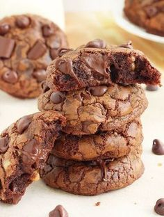 A chocolate lover's dream come true, these chocolate fudge cookies are soft, slightly chewy and packed with over a pound of chocolate! That's over 1 ounce of chocolate in each cookie! Can there ever be too much chocolate? Cookie Desserts, Just Desserts, Cookie Recipes, Dessert Recipes, Recipes Dinner, Fudge Recipes, Fudge Cookie Recipe, Chocolate Fudge Cookies, Chocolate Chocolate