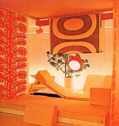 Art,fashion,design,technology etc from the atomic space age Retro Interior Design, Mid-century Interior, Retro Design, Orange Interior, Interior Ideas, Living Room Orange, 70s Home Decor, Retro Room, Cute House