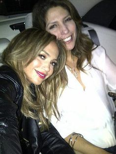 Jennifer Lopez and sister Linda. Celebrity Instagram Pictures | June 20, 2013