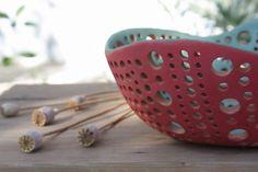 Ciotola centrotavola in ceramica rossa e verde di NidaCeramiche