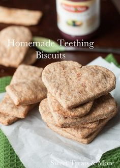 Biscuits de dentition maison - Wooloo - The Best Homemade Baby Recipes Baby Food Recipes, Snack Recipes, Cooking Recipes, Food Baby, Banana Recipes, Baby Bullet Recipes, Dog Food, Vegan Healthy Snacks, Toddler Meals