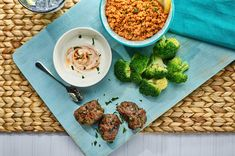 Koftas are so quick and easy to make and they're great with our delicious Spicy Couscous. This recipe is definitely worth a try! Healthy Recipes For Weight Loss, Diet Recipes, Fresh Coriander, Parsley, 200 Calorie Meals, Couscous Recipes, 200 Calories, Healthy Lifestyle, Spicy
