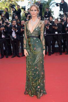 Pin for Later: Retour Sur les Meilleurs Looks du Festival de Cannes 2015 Jour 5 Poppy Delevingne