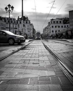 #bruxellesmabelle #peopleareawesome #wearetheluckyones #brussels #streetphotography #igerslux #bxl #streetphoto #street #streetlife #streetshot #streetlifestyle #igersluxembourg #welovebrussels #brusselslive #visitbrussels #worldplaces #wanderlust #urban #urbanphotography #urbanphoto #street #ig_street #cities #dezpx #dezpx_street #socialdocumentary #dezpx_bxl #igersbrussels #urbanstreetdiving #stib (hier: Brussels Belgium)