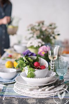 Pearl dinnerware and Verrde striped placemats for a summer setting www.frenchcountry.co.nz