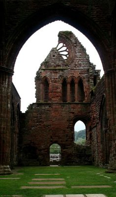 The ruins of Sweetheart Abbey, Dumfries and Galloway, Scotland. Beautiful Ruins, Beautiful Places, Abandoned Buildings, Abandoned Places, Castle Ruins, Medieval Castle, Old Churches, England And Scotland, Ancient Ruins