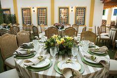 Mesas dos convidados - Decoração de casamento clássico na fazenda ( Decoração: Renato Aguiar | Foto: Debora Pitanguy )