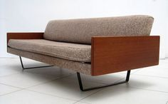 Robin Day Single convertible bed-setee for Hille c1957. Fragile Design  MM Show Dulwich 2nd Dec 2013