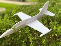 Paper Airplane Models, Model Airplanes, Rc Plane Plans, Wooden Kayak, Board Game Design, Woodworking Projects For Kids, Paper Plane, Electronic Art, Paper Toys