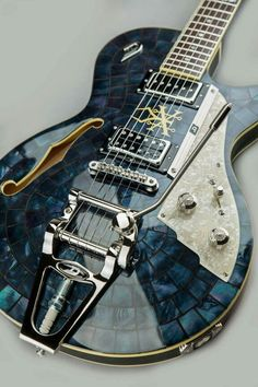 What a beautiful guitar #beautifulguitars #ElectricGuitar