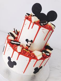 where to have a birthday party Mickey Mouse Birthday Theme, Theme Mickey, Cute Birthday Cakes, Disney Birthday, 2nd Birthday, Birthday Ideas, Bolo Mickey, Mickey Cakes, Mickey Mouse Cake