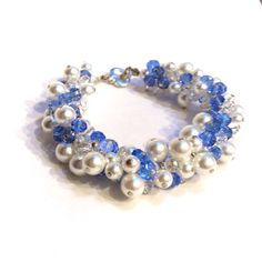 Glass pearls & glass crystal bracelet