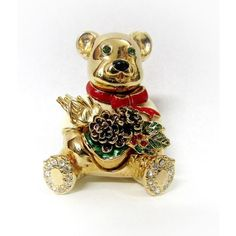 Pre-Owned St John Vintage 22kgp Pin Brooch Christmas Teddy Bear Pine... (€99) ❤ liked on Polyvore featuring jewelry, brooches, vintage christmas jewelry, vintage pins brooches, red brooch, vintage red jewelry and vintage jewellery