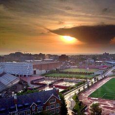 #PrettyPicMonday: Campus sunrise from @traceebrandt