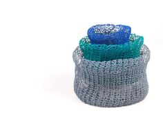 Knitted baskets made of paper yarn by PaperPhine