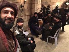 Empire Wallpaper, Devil Aesthetic, Turkish Beauty, Tv Actors, Turkish Actors, Che Guevara, Seasons, Cute, People