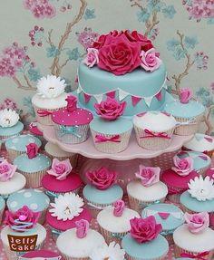 Pretty pink & aqua cupcakes