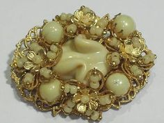 RARE-VINTAGE-SIGNED-MIRIAM-HASKELL-FAUX-PEARL-SEED-BEAD-BROOCH. $38.99