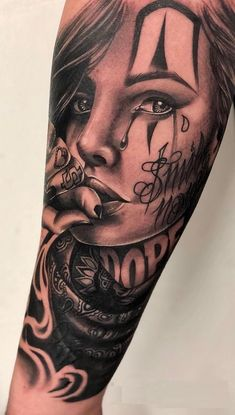 Celebrate Life and Death With These Awesome Day of the Dead Tattoos cool Day of the Dead tattoo © tattoo artist Emink Tattoo Vicenza ❤❤❤❤❤❤ Chicanas Tattoo, Skull Girl Tattoo, Girl Face Tattoo, Clown Tattoo, Forarm Tattoos, Forearm Tattoo Men, Body Art Tattoos, Girl Tattoos, Tatoos