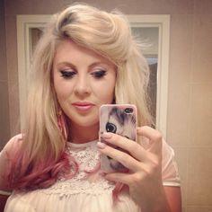 Louise aka sprinkleofglitter - her hair! Sprinkle Of Glitter, Baby Glitter, Beautiful Long Hair, Beautiful People, Beauty Makeup, Hair Makeup, British Youtubers, Zoella, Dream Hair