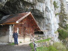 si-and-the-hermits-hut-gais.jpg (550×413)