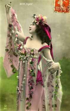 Vintage French postcard depicting dancer from the late arrayed in flower strewn costume of pink and crimson Images Vintage, Photo Vintage, Vintage Pictures, Vintage Photographs, Vintage Cards, Vintage Postcards, French Vintage, French Postcards, Vintage Costumes