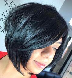 The Full Stack: 50 Hottest Stacked Haircuts Black Layered Chin-Length Bob Stacked Haircuts, Hot Haircuts, Bob Hairstyles For Thick, Stylish Haircuts, Popular Haircuts, Layered Hairstyles, Short Blonde Bobs, Chin Length Hair, Short Hair