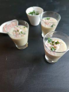 Ce velours façon endives au jambon se mange en verrines pour un apéro dînatoire par exemple ou même en ouverture d'un délicieux repas. #recipe #apéro #recettessalées #verrines #dinatoire #weightwatchers #smartpoints Le Diner, Eclairs, Cocktail Drinks, Cocktails, Feta, Panna Cotta, Pudding, Healthy, Gazpacho