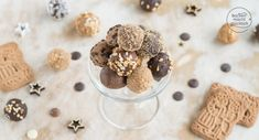 The Spekulatius chocolate balls are a great, quick Christmas gift from Healthy Recipes For Weight Loss, Healthy Eating Recipes, Healthy Drinks, Cooking Recipes, Happy Foods, Italian Dishes, Vegan Sweets, Christmas Love, Xmas